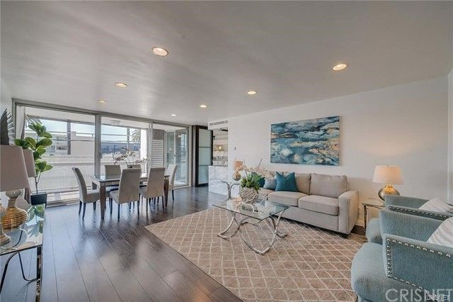 131 N Gale Drive #3D Beverly Hills, CA, 90211