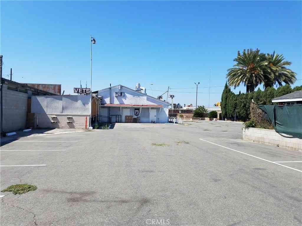 2805 E South Street, Long Beach, CA, 90805,