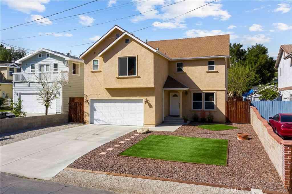 30641 Arlington Street, Castaic, CA, 91384,