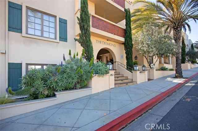 851 North San Vicente Boulevard #302, West Hollywood, CA, 90069,