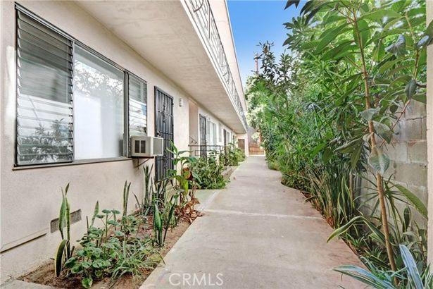 1047 N Sierra Bonita Avenue