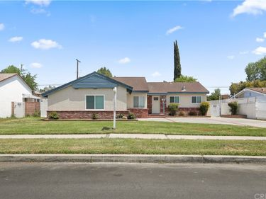 8138 Kelvin Avenue, Winnetka, CA, 91306,