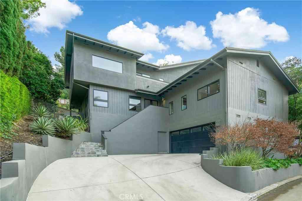 2418 Canyon Oak Drive, Los Angeles, CA, 90068,