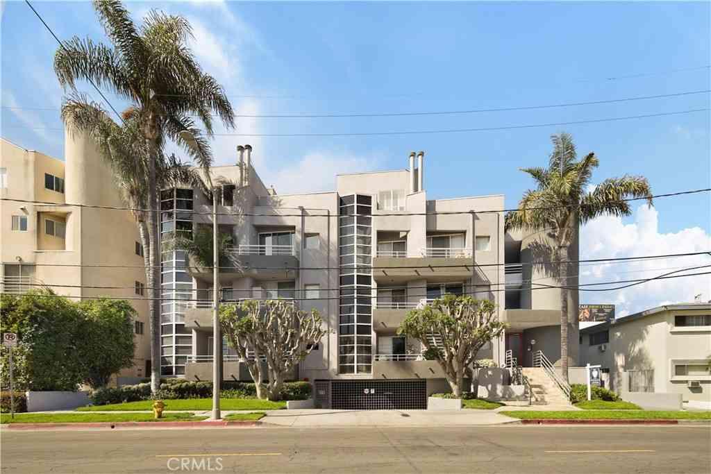 4557 Haskell Avenue #204, Encino, CA, 91436,