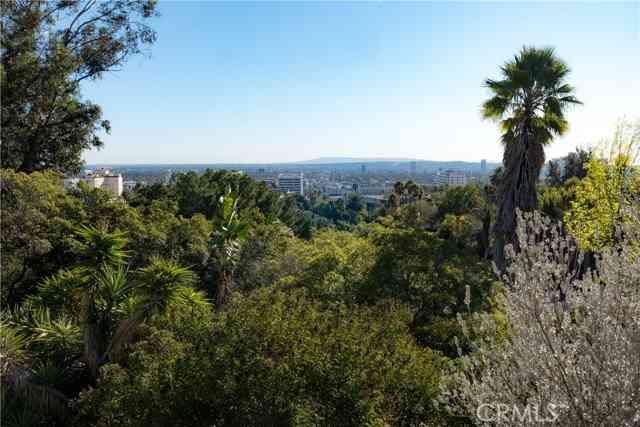 7200 La Presa Drive, Los Angeles, CA, 90068,