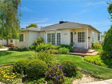 17458 Gilmore Street, Lake Balboa, CA, 91406,