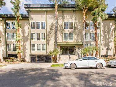 4407 Francis Avenue #105, Los Angeles, CA, 90005,
