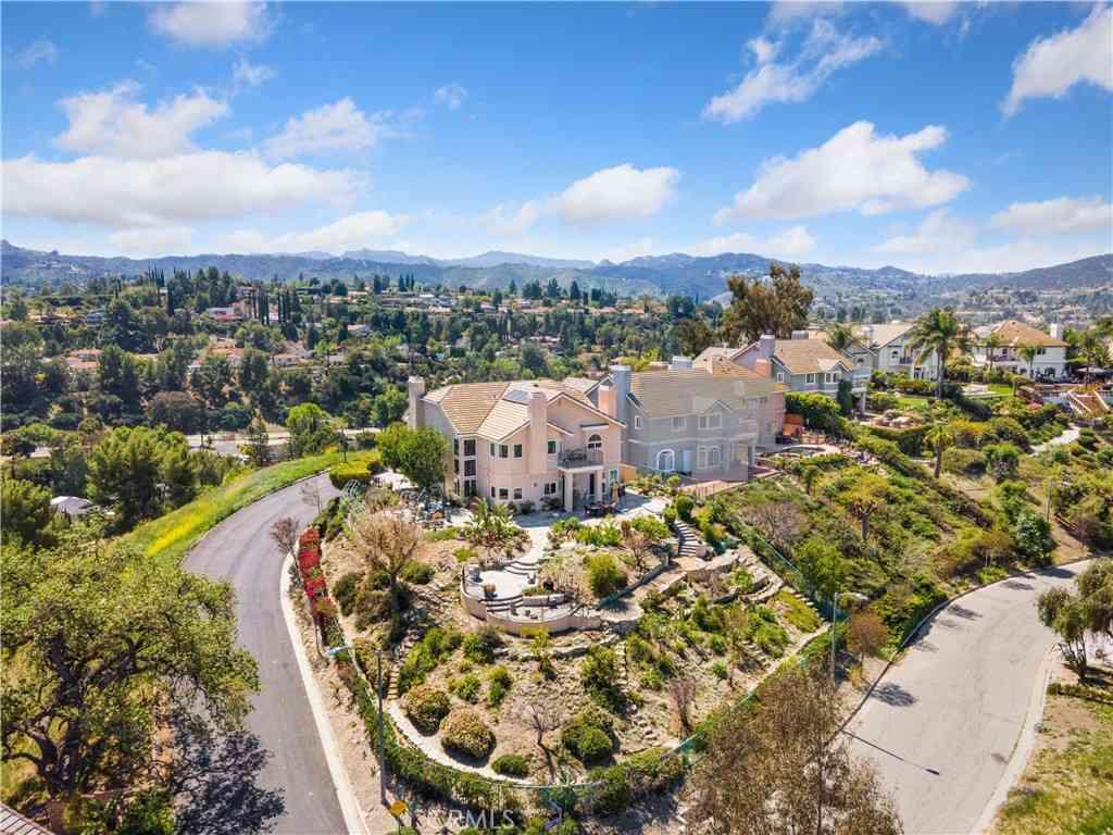 22527 Uhea Road, Woodland Hills, CA, 91364,