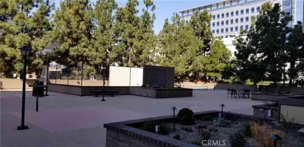 321 S San Vicente Boulevard #203, Los Angeles, CA, 90048,