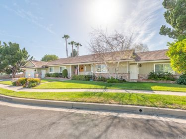 9941 Melvin Avenue, Northridge, CA, 91324,