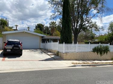 27714 Foxlane Drive, Canyon Country, CA, 91351,