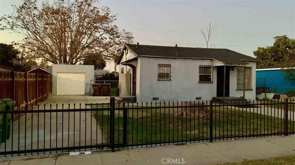 917 W 134th Place, Compton, CA, 90222,