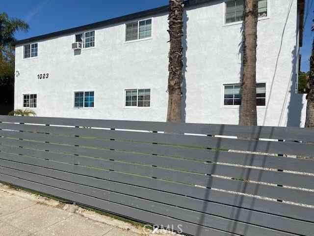 1023 Hewitt Street, San Fernando, CA, 91340,