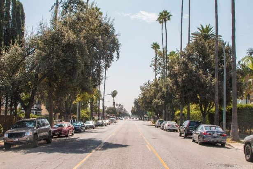 570 N Los Robles Avenue