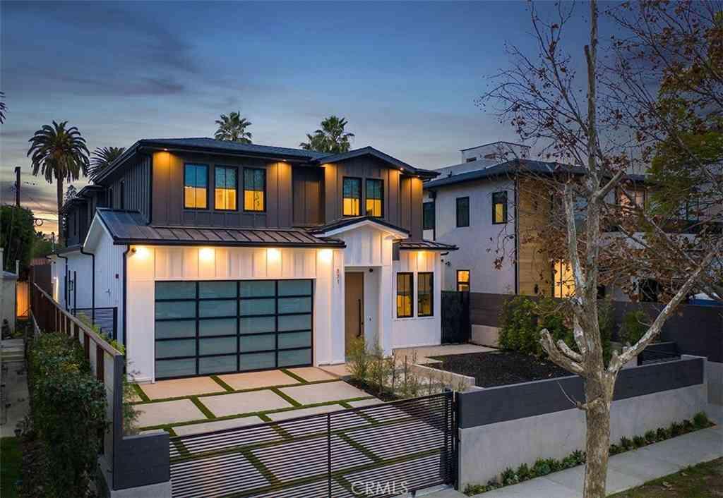 831 N Spaulding, Los Angeles, CA, 90046,