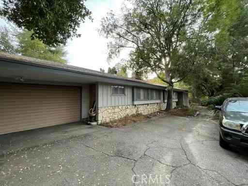 20120 Wells Drive, Woodland Hills, CA, 91364,