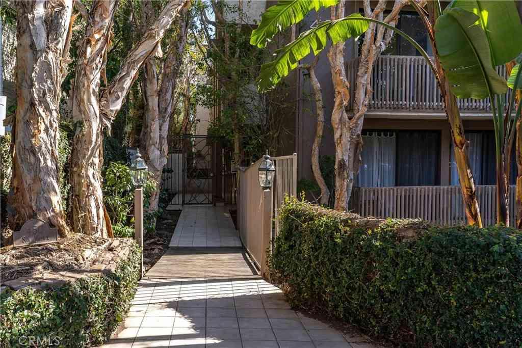 450 San Vicente Boulevard #302, Santa Monica, CA, 90402,