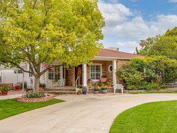 17340 Raymer Street, Sherwood Forest, CA, 91325,