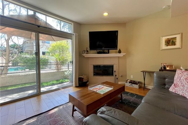 5107 Coldwater Canyon Avenue #6
