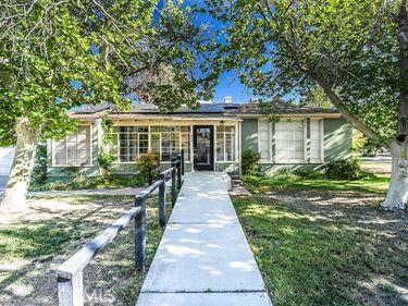 805 West Milling Street, Lancaster, CA, 93534,