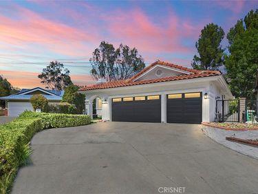 8118 Valley Flores Drive, West Hills, CA, 91304,
