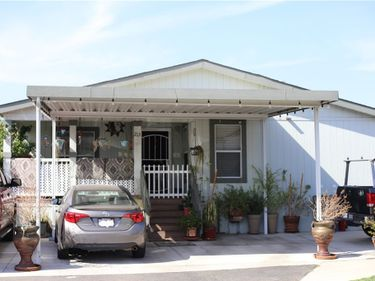 27361 Sierra hwy #213, Canyon Country, CA, 91351,