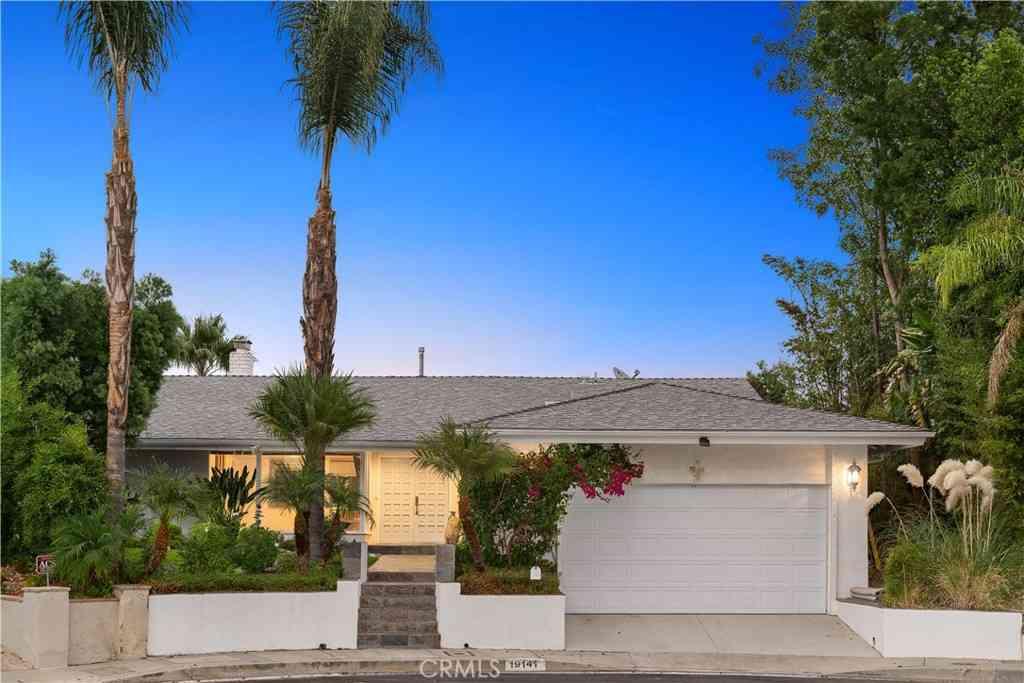 19141 Gayle Place, Tarzana, CA, 91356,