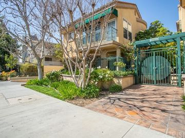 17809 Halsted Street #117, Northridge, CA, 91325,