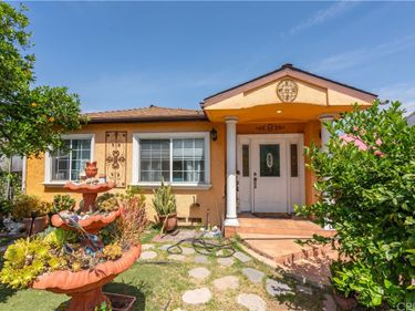 12619 Victory Boulevard, North Hollywood, CA, 91606,