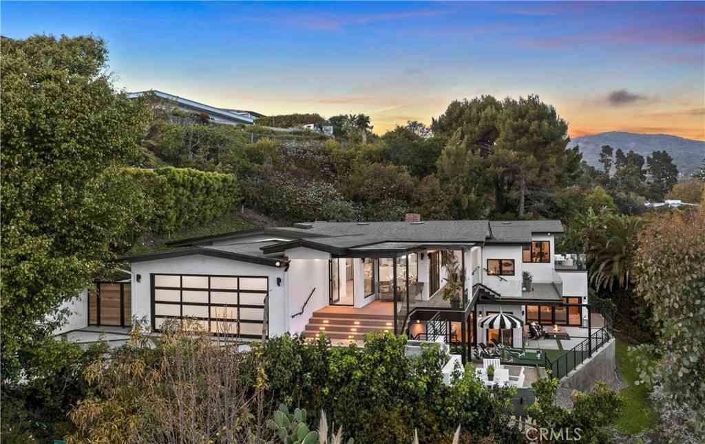 848 Lachman Lane, Pacific Palisades, CA, 90272,