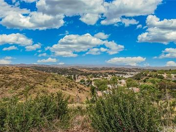 21212 Trumpet Drive #101, Newhall, CA, 91321,