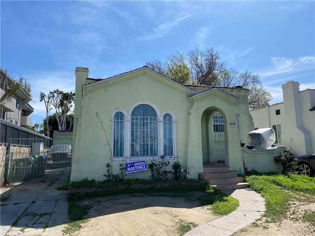 1828 W 71st Street, Los Angeles, CA, 90047,