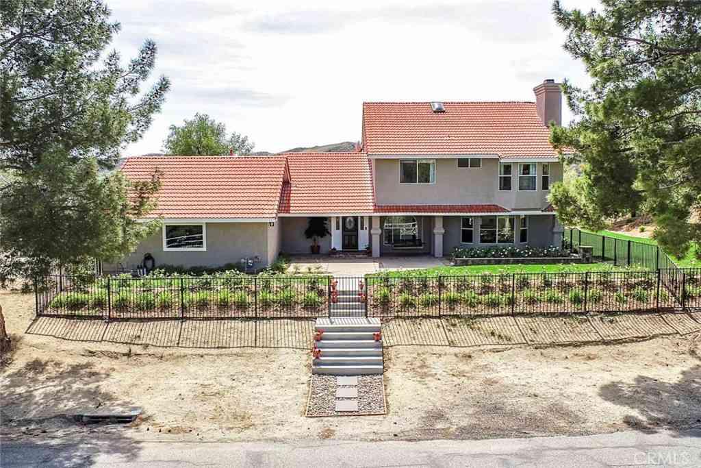 30541 Remington Road, Castaic, CA, 91384,