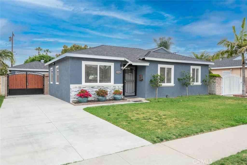 12163 Izetta Avenue, Downey, CA, 90242,