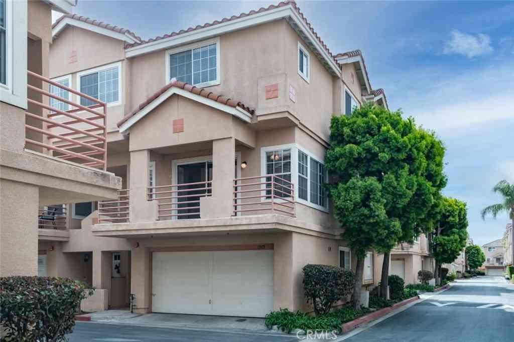 13975 Lemoli Avenue, Hawthorne, CA, 90250,