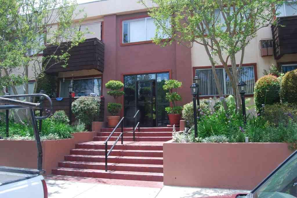 5403 Newcastle Avenue #22, Encino, CA, 91316,