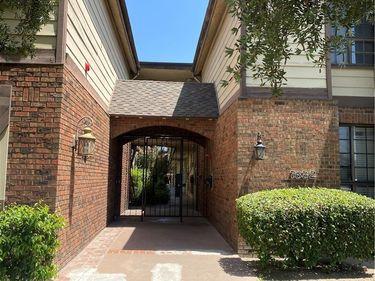 7632 Topanga Canyon Boulevard #220, Canoga Park, CA, 91304,
