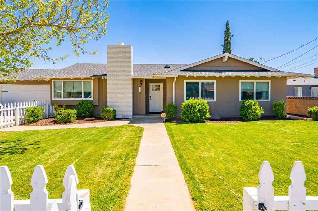 42624 45th Street W, Lancaster, CA, 93536,