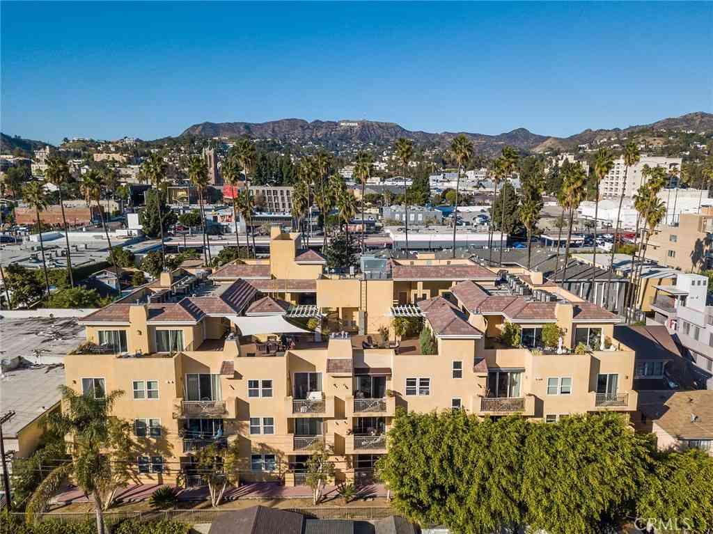 6038 Carlton Way #209, Los Angeles, CA, 90028,
