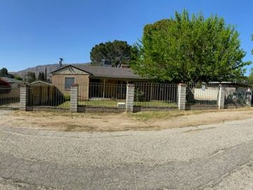 8325 Kyle Street, Sunland, CA, 91040,