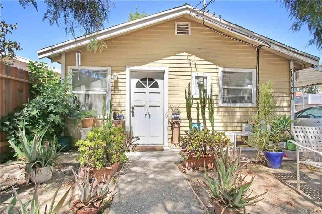 14841 Archwood Street, Van Nuys, CA, 91405,