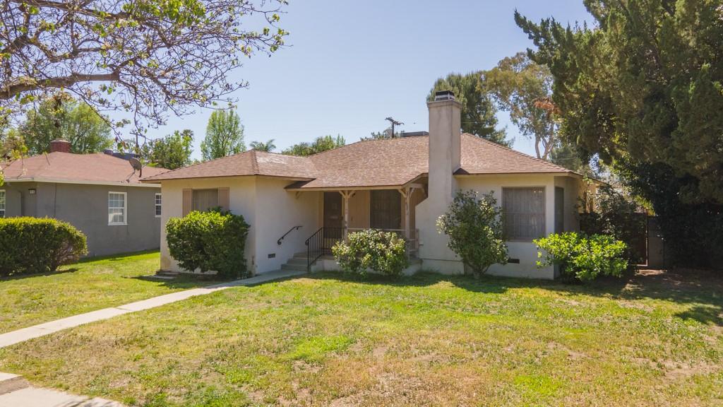 19166 Oxnard Street, Tarzana, CA, 91356,