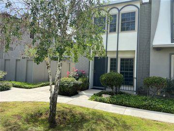22131 Oxnard Street, Woodland Hills, CA, 91367,