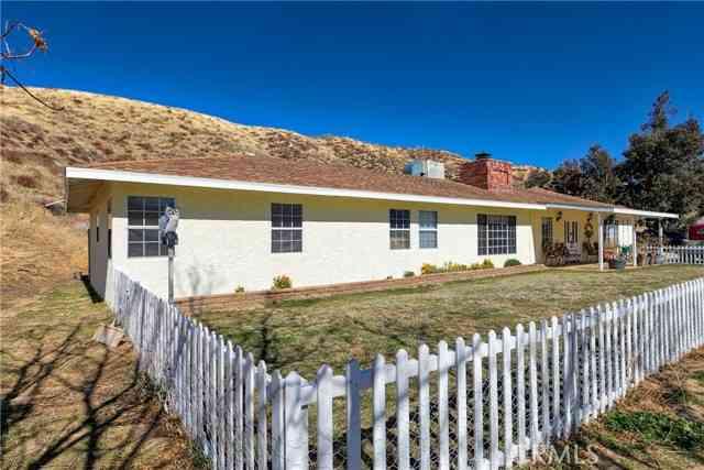 9123 Elizabeth Lake Road, Leona Valley, CA, 93551,