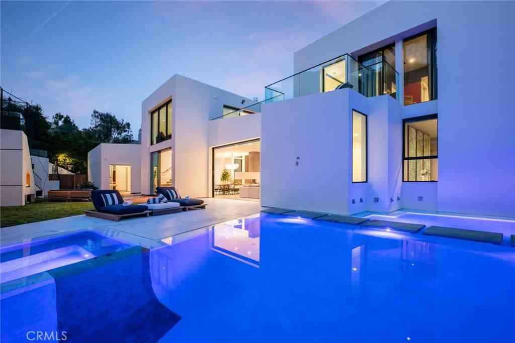 9814 Hythe Court, Beverly Hills, CA, 90210,