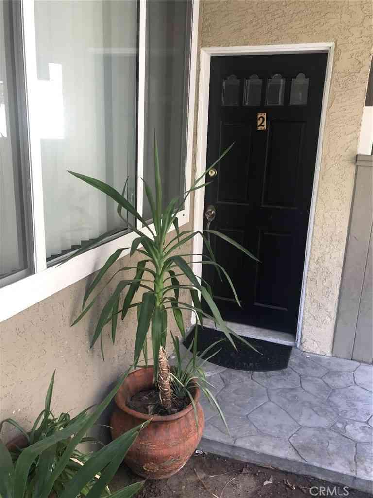 4610 Densmore Avenue #2, Encino, CA, 91436,
