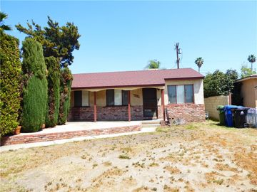 8814 Moonbeam Avenue, Panorama City, CA, 91402,