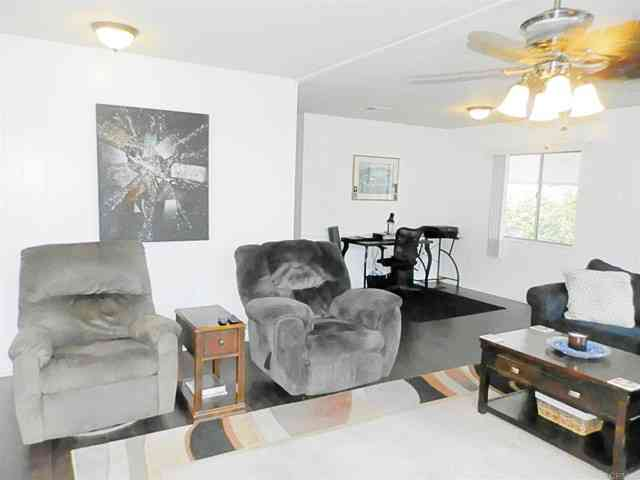 2130 SUNSET #68 Drive #68, Vista, CA, 92081,