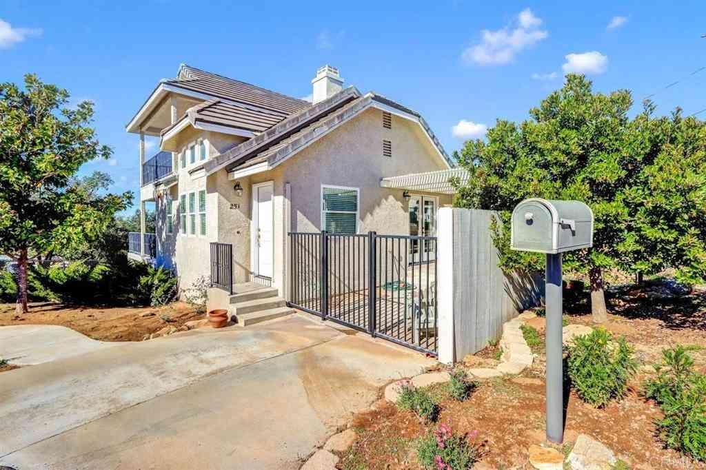 251 Scenic Drive, El Cajon, CA, 92021,
