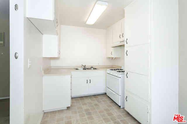 919 E Acacia Avenue, Glendale, CA, 91205,
